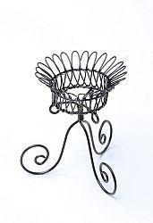 Drôtený svietnik s nožičkami